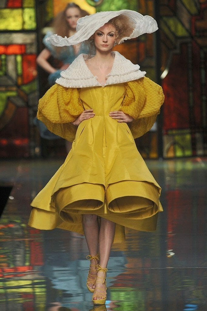 "JOHN GALLIANO for CHRISTIAN DIOR HAUTE COUTURE SPRING-SUMMER 2009. RUNWAY MAGAZINE ® Collections Special Selection ""Fashion Treasure"". RUNWAY MAGAZINE ® Collections. RUNWAY NOW / RUNWAY NEW"