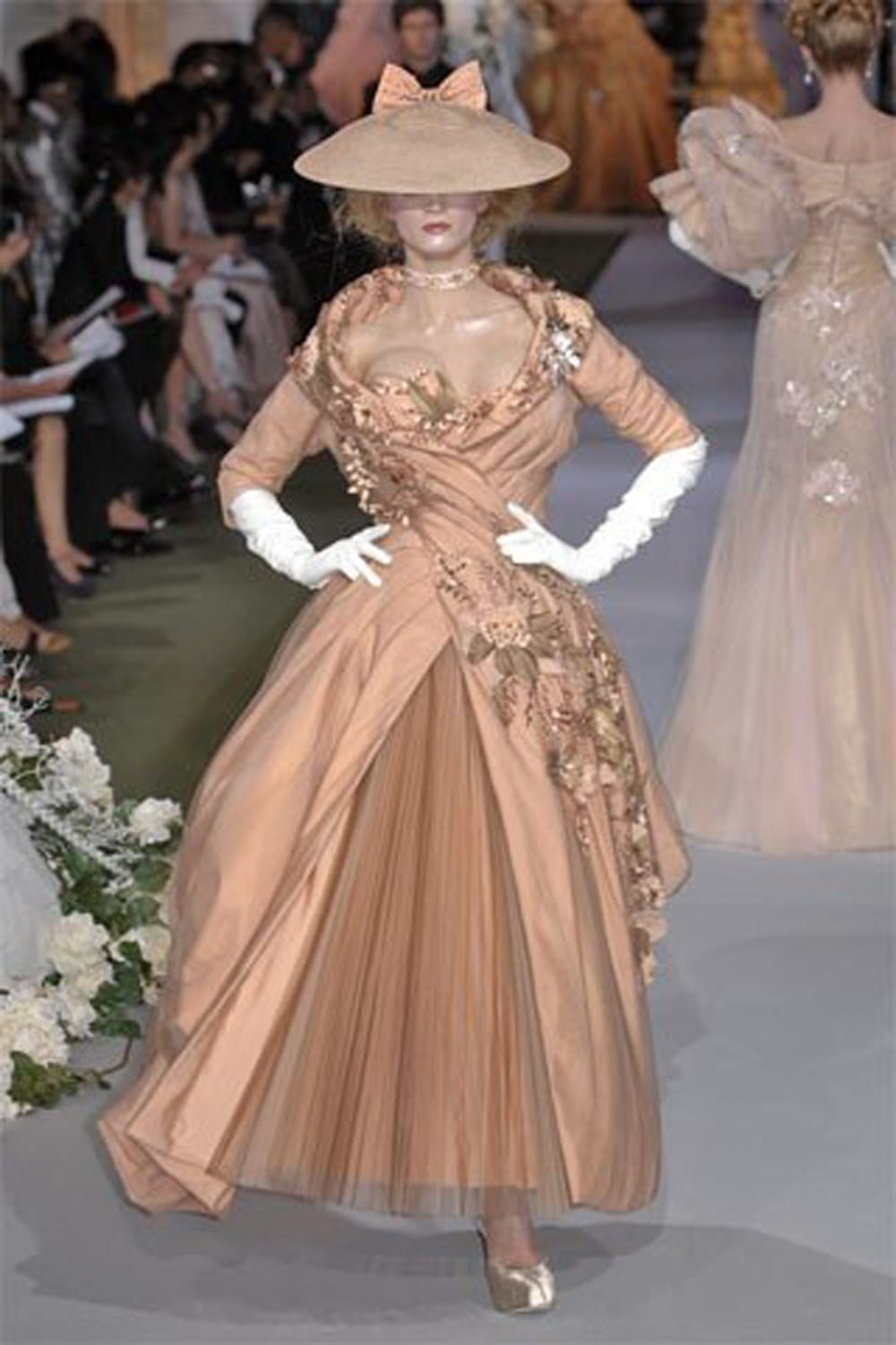 "JOHN GALLIANO for CHRISTIAN DIOR HAUTE COUTURE FALL-WINTER 2007-2008. RUNWAY MAGAZINE ® Collections Special Selection ""Fashion Treasure"". RUNWAY MAGAZINE ® Collections. RUNWAY NOW / RUNWAY NEW"
