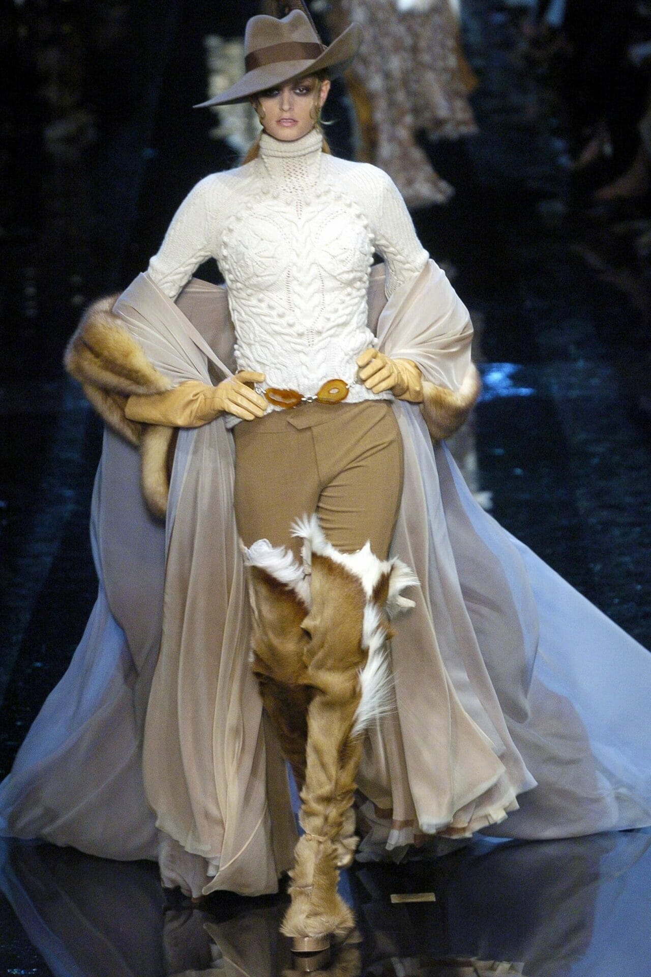 "JEAN PAUL GAULTIER HAUTE COUTURE FALL-WINTER 2004-2005. RUNWAY MAGAZINE ® Collections Special Selection ""Fashion Treasure"". RUNWAY MAGAZINE ® Collections. RUNWAY NOW / RUNWAY NEW"