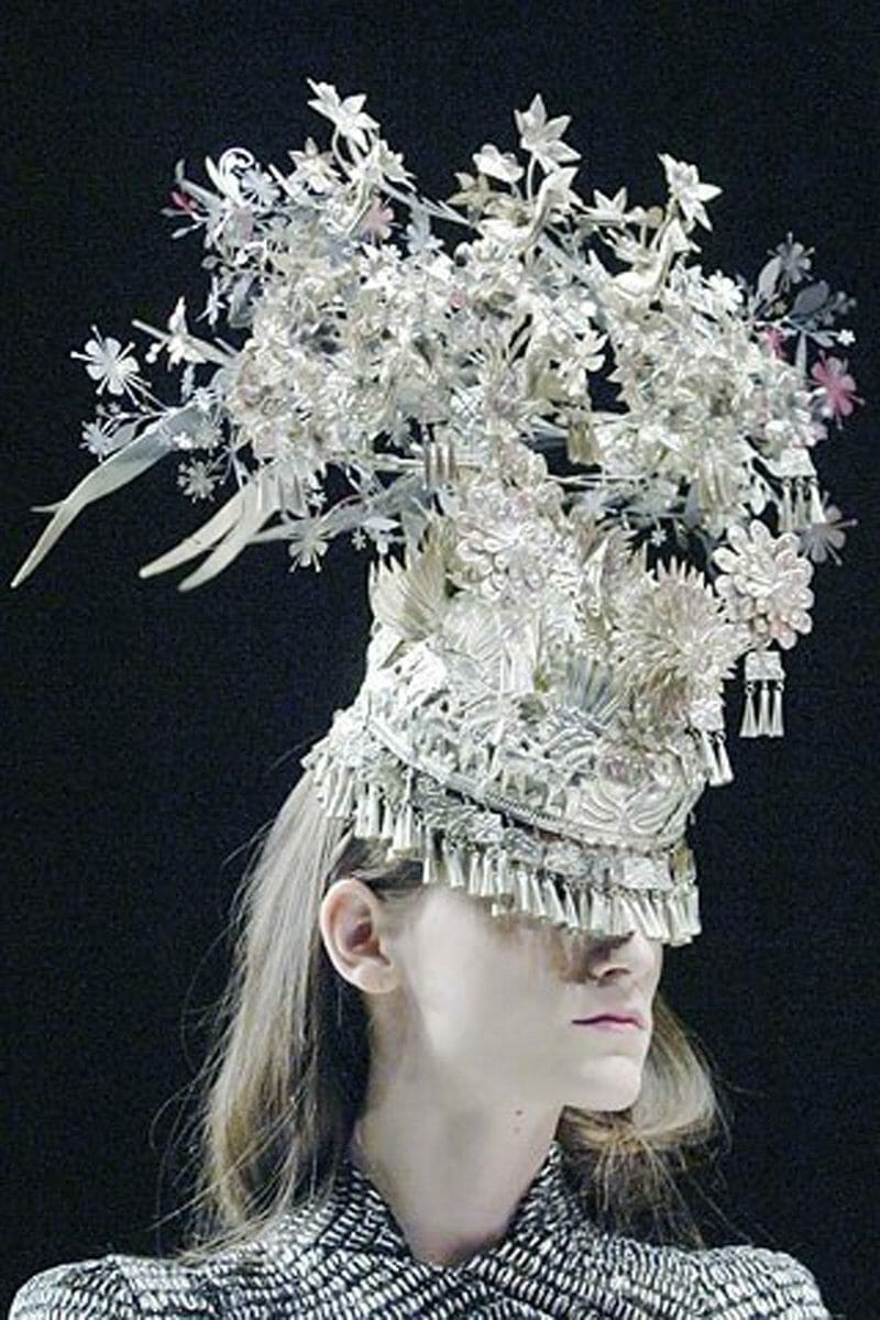 "ALEXANDER McQUEEN READY-TO-WEAR SPRING-SUMMER 2008. Paris Fashion Week. RUNWAY MAGAZINE ® Collections Special Selection ""Fashion Treasure"". RUNWAY MAGAZINE ® Collections. RUNWAY NOW / RUNWAY NEW"
