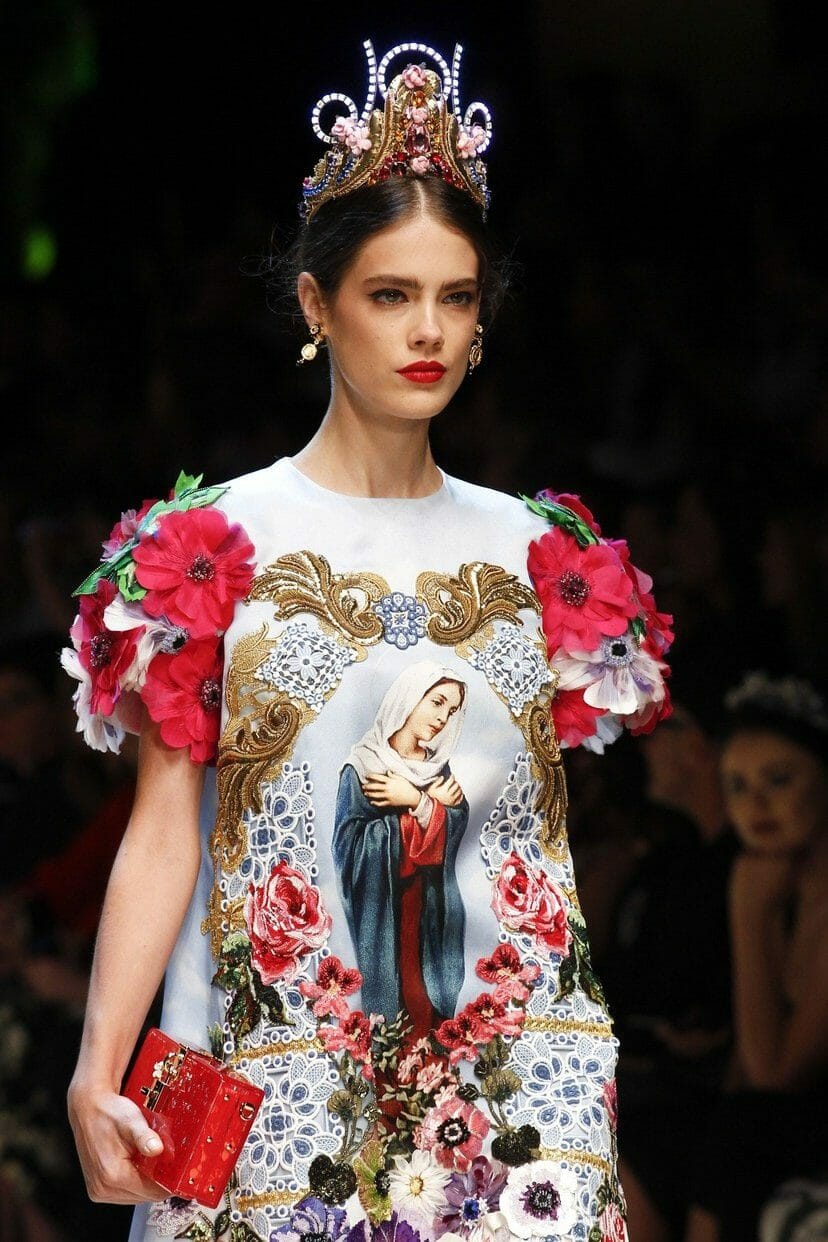 "DOLCE & GABBANA READY-TO-WEAR SPRING-SUMMER 2017. Milan Fashion Week. RUNWAY MAGAZINE ® Collections Special Selection ""Fashion Treasure"". RUNWAY MAGAZINE ® Collections. RUNWAY NOW / RUNWAY NEW"