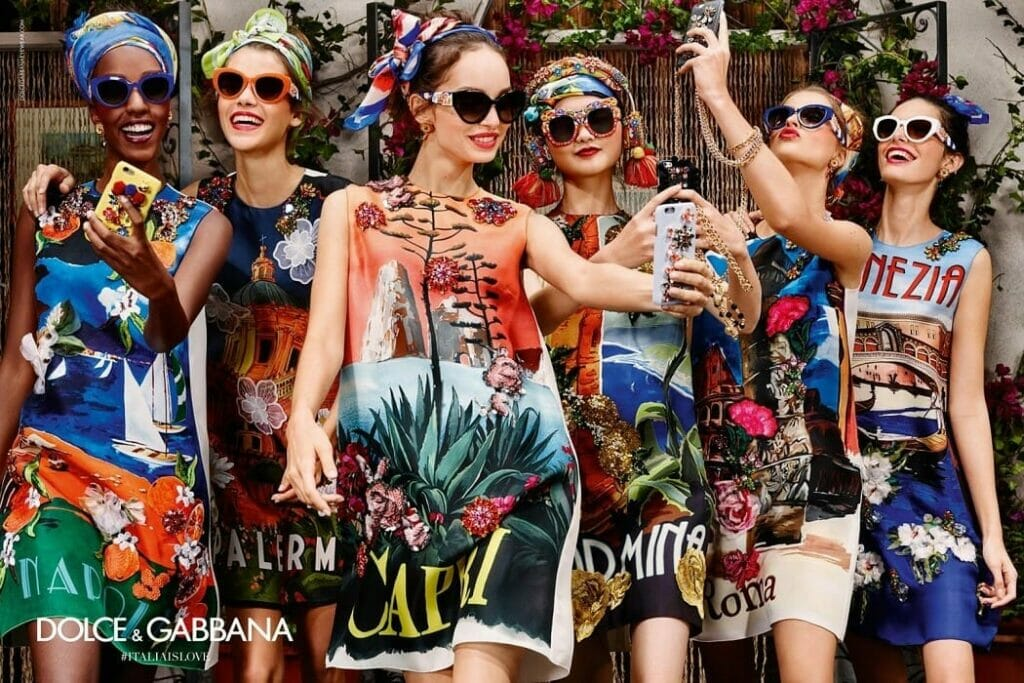 "DOLCE & GABBANA READY-TO-WEAR SPRING-SUMMER 2016. Milan Fashion Week. RUNWAY MAGAZINE ® Collections Special Selection ""Fashion Treasure"". RUNWAY MAGAZINE ® Collections. RUNWAY NOW / RUNWAY NEW"
