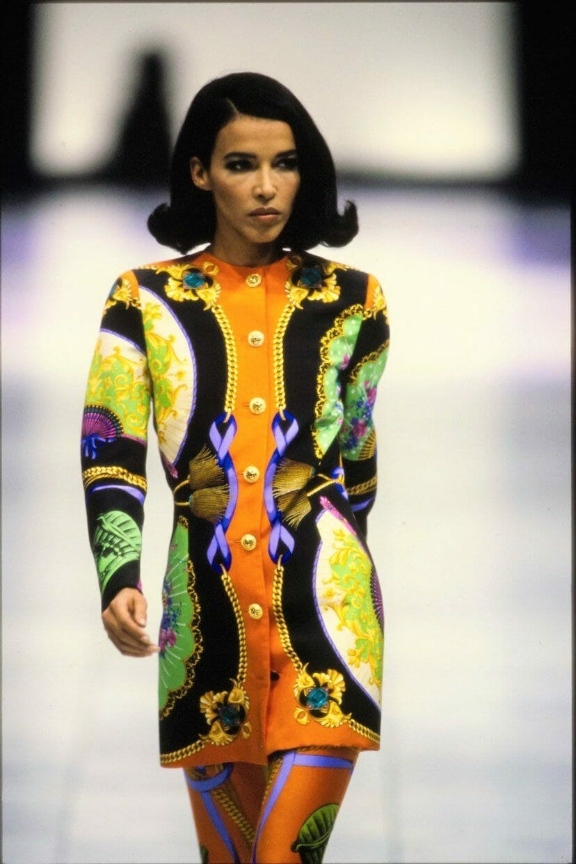 "VERSACE READY-TO-WEAR SPRING-SUMMER 1991. RUNWAY MAGAZINE ® Collections Special Selection ""Fashion Treasure"". Eclectic collection of Gianni Versace. RUNWAY MAGAZINE ® Collections. RUNWAY NOW / RUNWAY NEW."