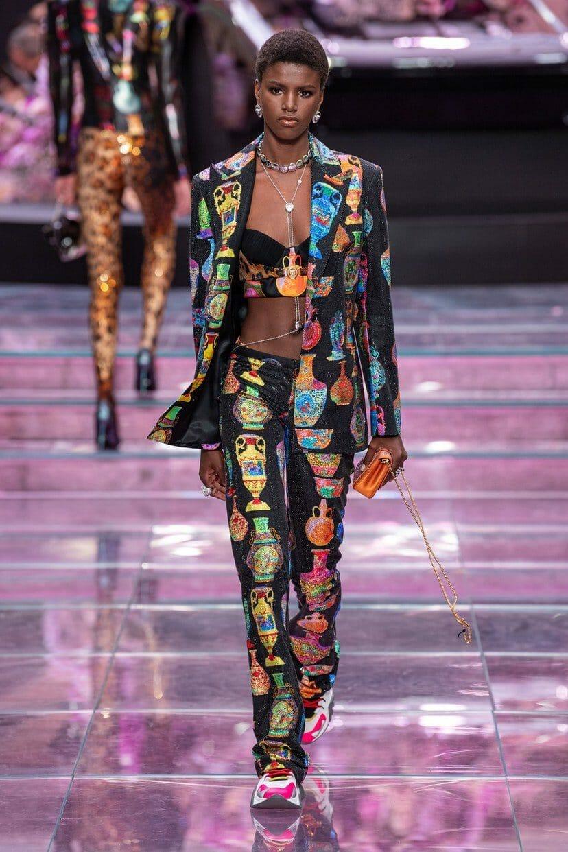 Versace Menswear Spring-Summer 2020 Milan. RUNWAY MAGAZINE ® Collections. RUNWAY NOW / RUNWAY NEW