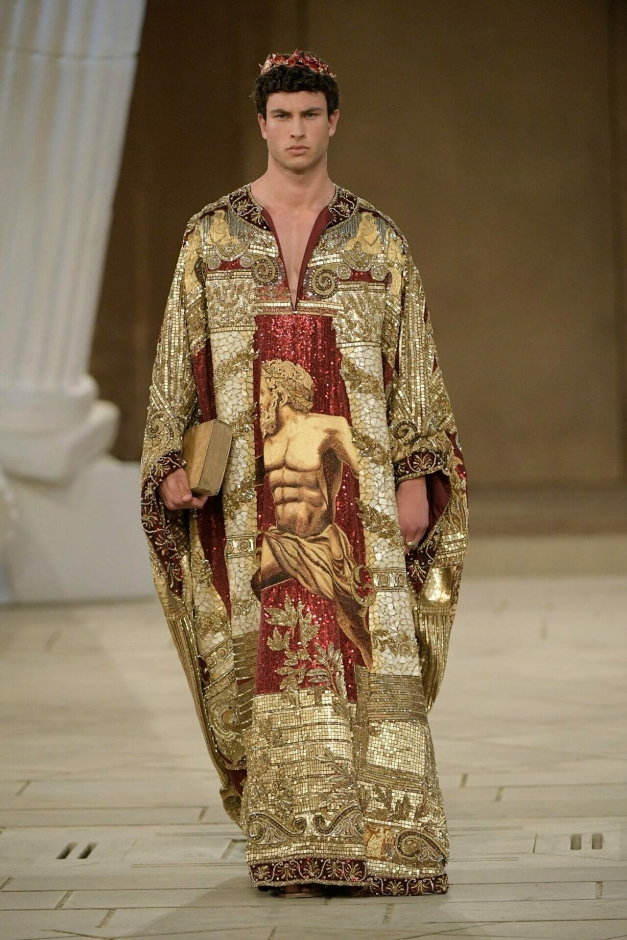 Dolce & Gabbana Alta Sartoria Palazzo dei Gesuiti Sciacca Fall-Winter 2019-2020. RUNWAY MAGAZINE ® Collections. RUNWAY NOW / RUNWAY NEW