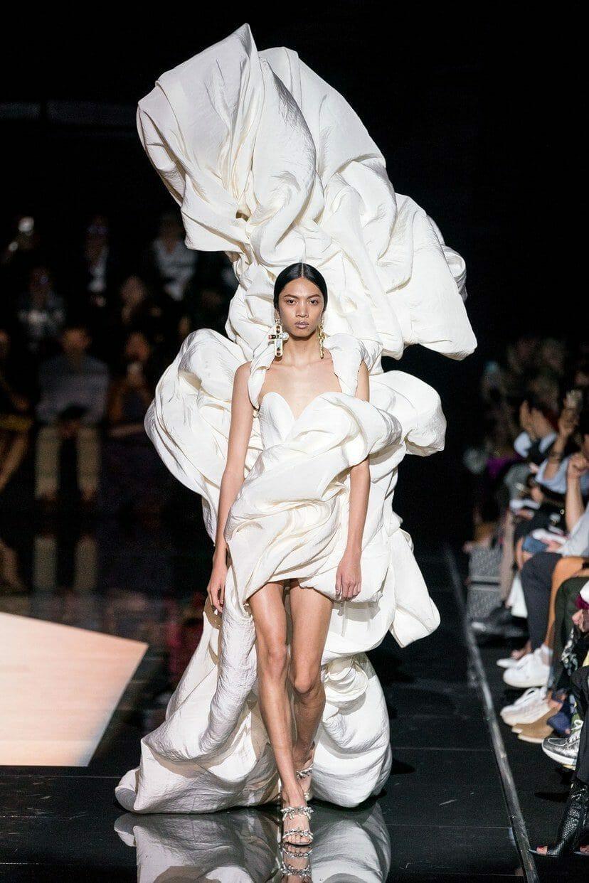 Schiaparelli Haute Couture Fall-Winter 2019-2020. RUNWAY MAGAZINE ® Collections. RUNWAY NOW / RUNWAY NEW