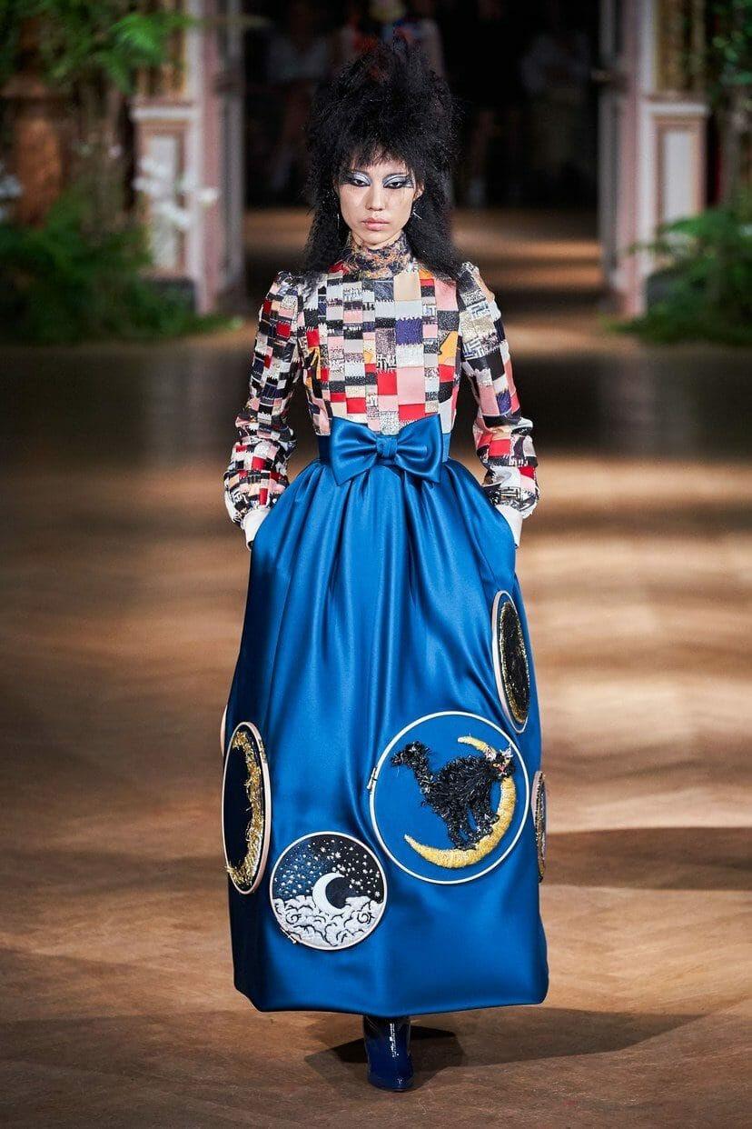 Viktor & Rolf Haute Couture Fall-Winter 2019-2020. RUNWAY MAGAZINE ® Collections. RUNWAY NOW / RUNWAY NEW