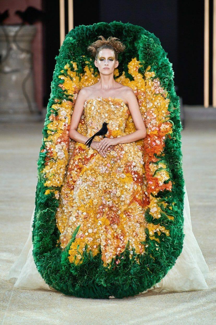 Guo Pei Haute Couture Fall-Winter 2019-2020. RUNWAY MAGAZINE ® Collections. RUNWAY NOW / RUNWAY NEW