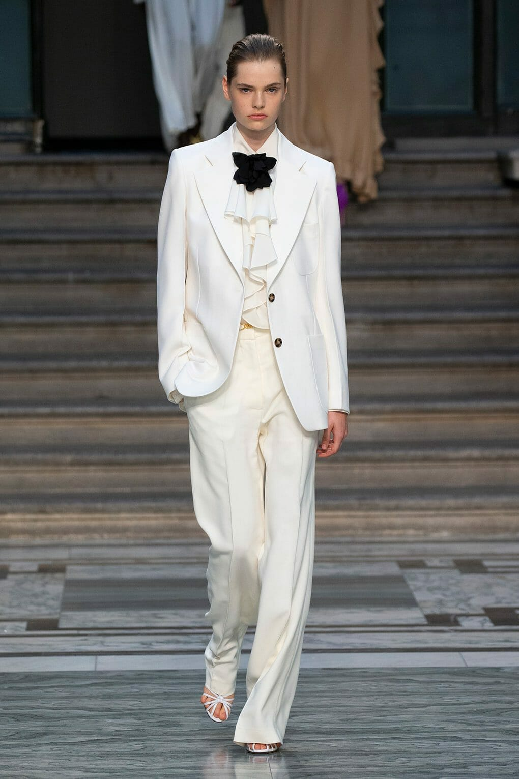Victoria Beckham Spring Summer 2020 London. RUNWAY MAGAZINE ® Collections. RUNWAY NOW / RUNWAY NEW