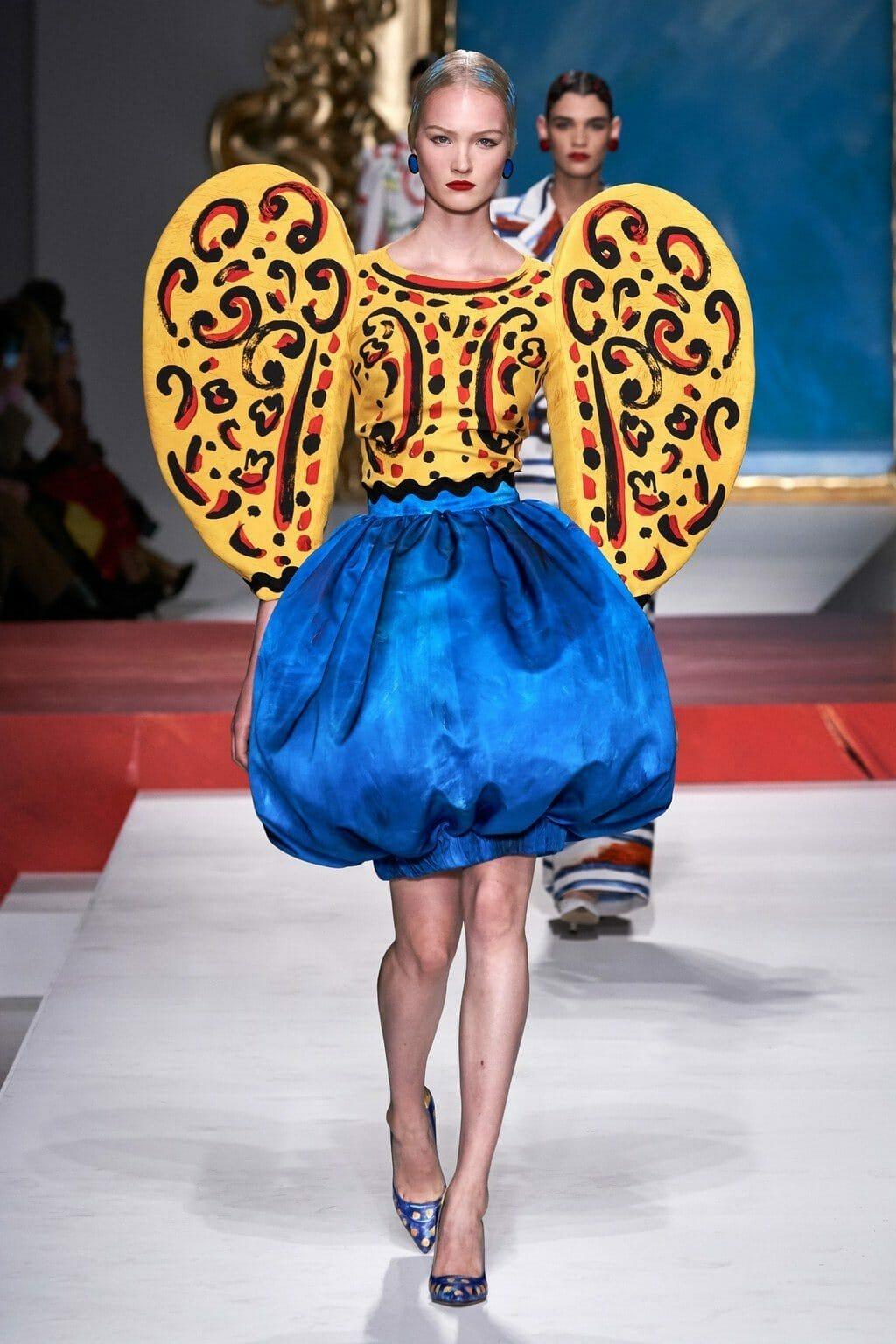 Moschino Spring Summer 2020 Milan Fashion Week. RUNWAY MAGAZINE ® Collections. RUNWAY NOW / RUNWAY NEW