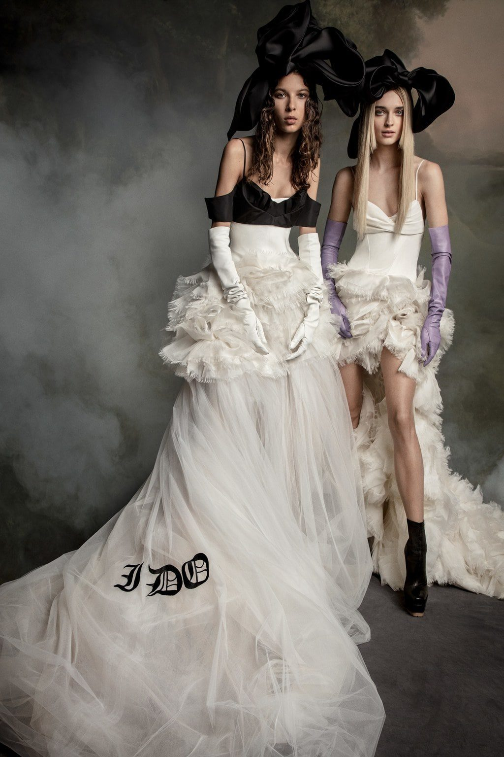 Vera Wang Bridal Fall Winter 2020-2021. RUNWAY MAGAZINE ® Collections. RUNWAY NOW / RUNWAY NEW