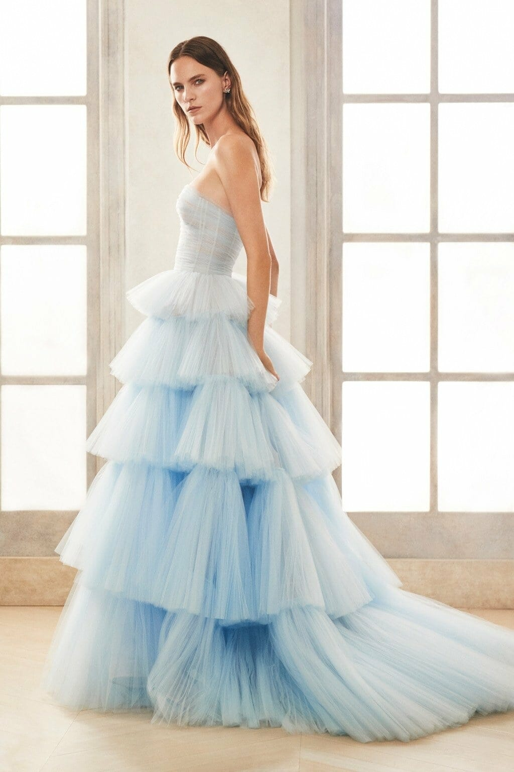 Oscar de la Renta Bridal Fall Winter 2020-2021. RUNWAY MAGAZINE ® Collections. RUNWAY NOW / RUNWAY NEW