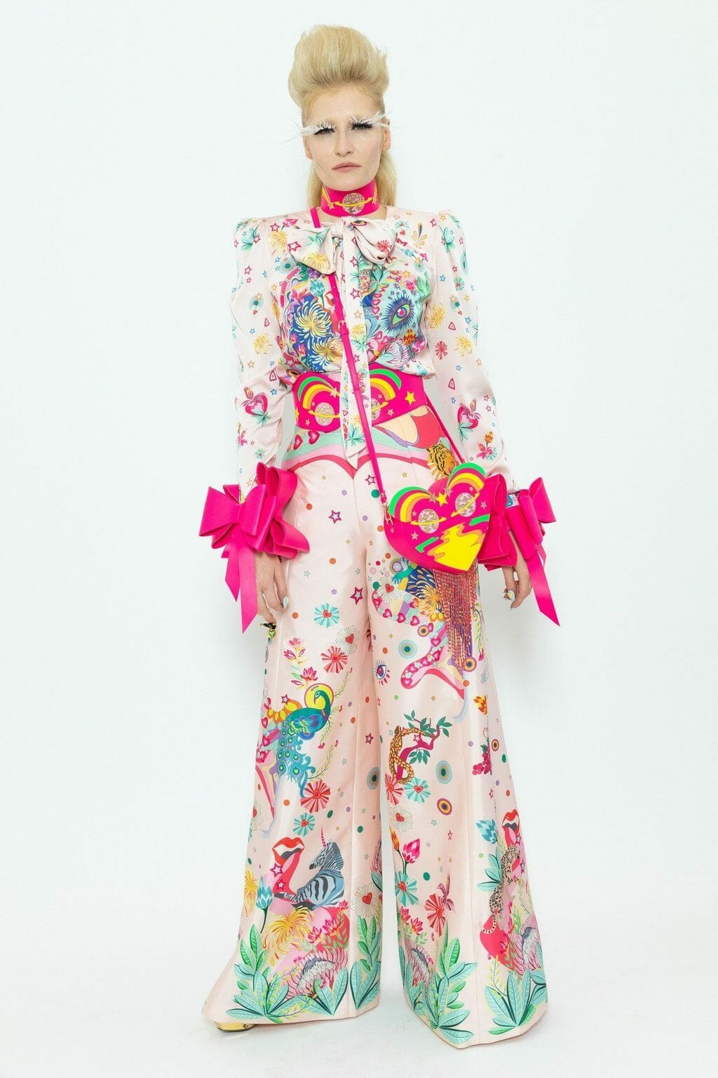 Manish Arora Spring Summer 2020 Paris Fashion Week. RUNWAY MAGAZINE ® Collections. RUNWAY NOW / RUNWAY NEW