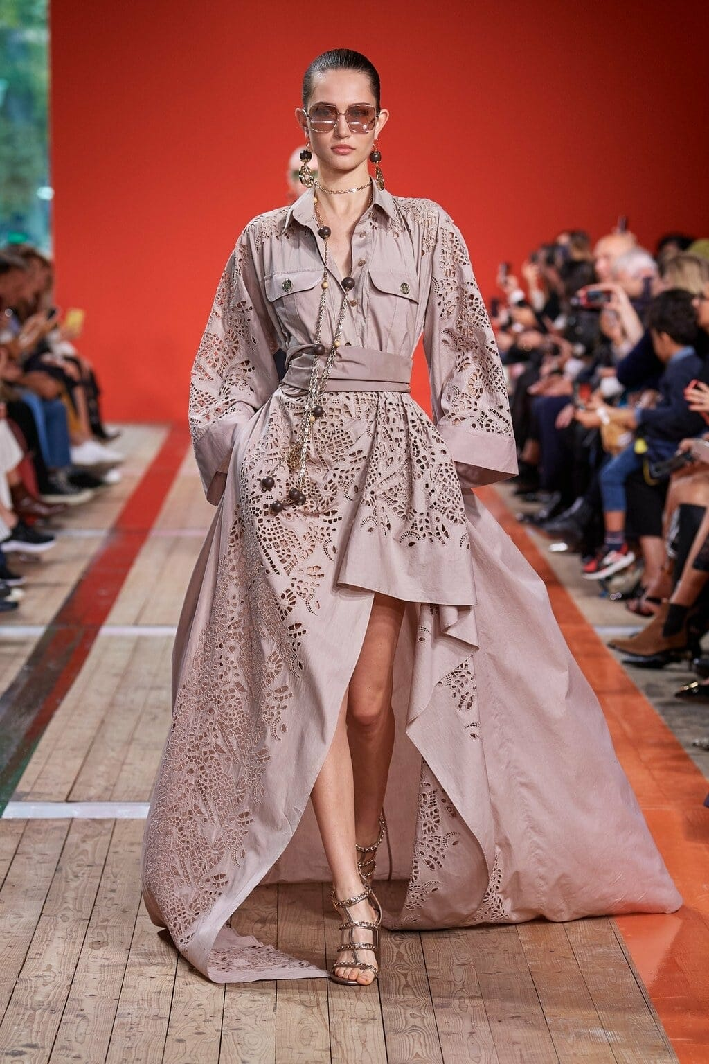 Elie Saab Spring Summer 2020 Paris Fashion Week. RUNWAY MAGAZINE ® Collections. RUNWAY NOW / RUNWAY NEW