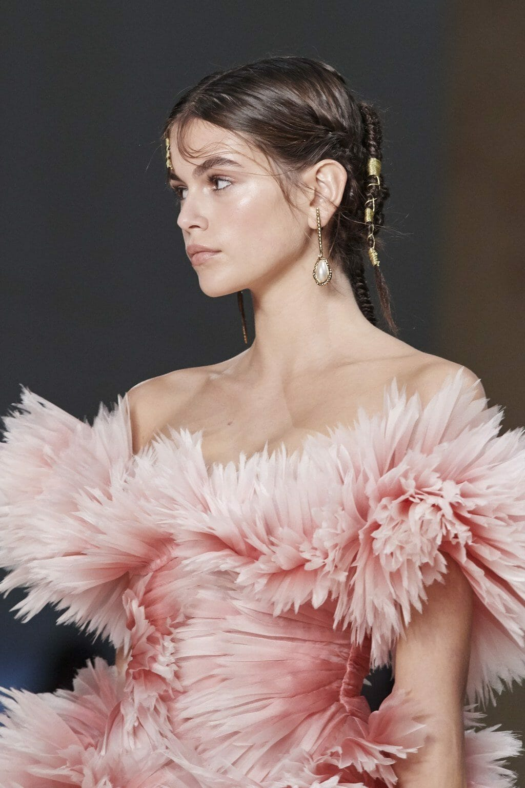Alexander McQueen Spring Summer 2020 Paris Fashion Week. RUNWAY MAGAZINE ® Collections. RUNWAY NOW / RUNWAY NEW
