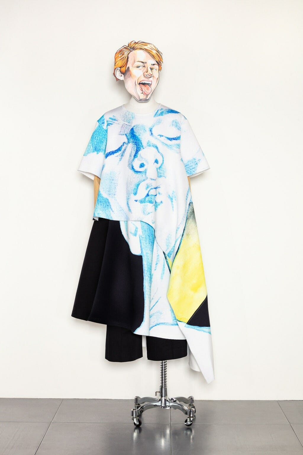 JW Anderson Cruise Resort 2021/ Men Summer 2021 London. RUNWAY MAGAZINE ® Collections. RUNWAY NOW / RUNWAY NEW