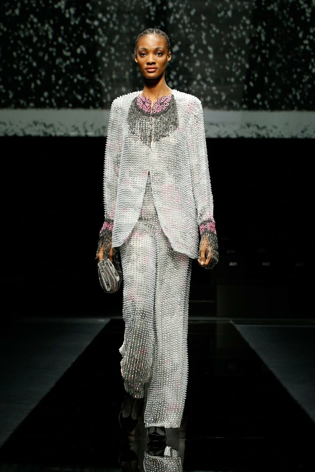 Giorgio Armani Fall-Winter 2020-2021 Milan. RUNWAY MAGAZINE ® Collections. RUNWAY NOW / RUNWAY NEW