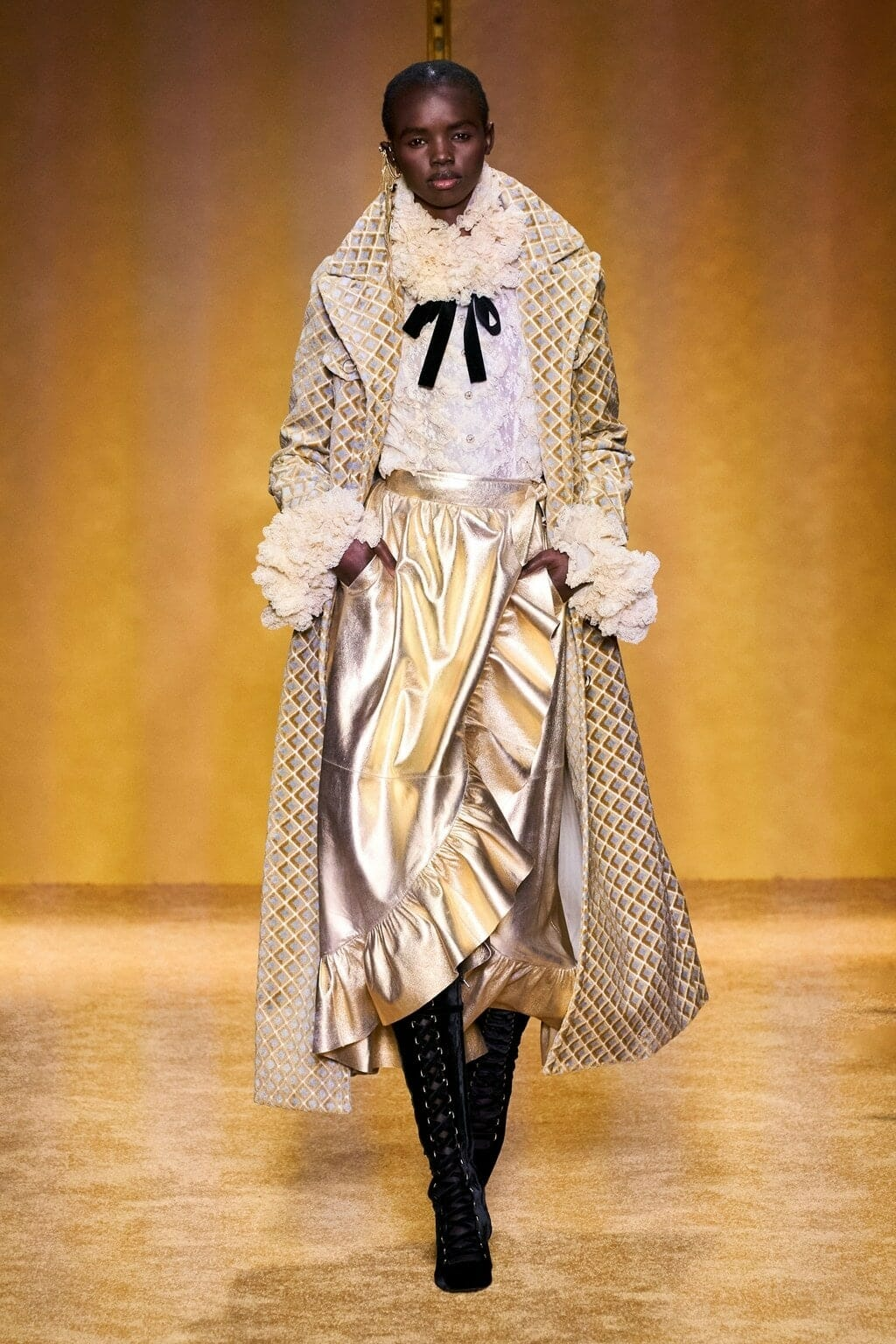 Zimmermann Fall-Winter 2020-2021 New York. RUNWAY MAGAZINE ® Collections. RUNWAY NOW / RUNWAY NEW