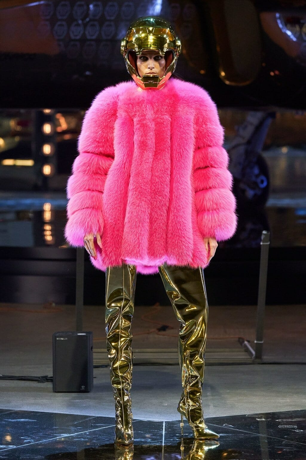 Philipp Plein Fall-Winter 2020-2021 Milan. RUNWAY MAGAZINE ® Collections. RUNWAY NOW / RUNWAY NEW