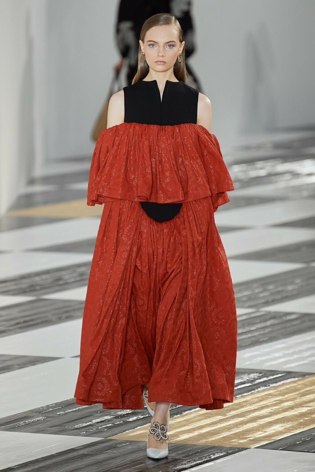 Loewe Fall-Winter 2020-2021 Paris. RUNWAY MAGAZINE ® Collections. RUNWAY NOW / RUNWAY NEW