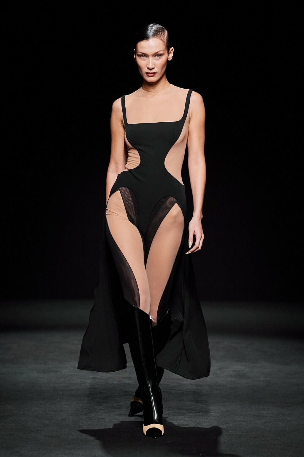Mugler Fall-Winter 2020-2021 Paris. RUNWAY MAGAZINE ® Collections. RUNWAY NOW / RUNWAY NEW