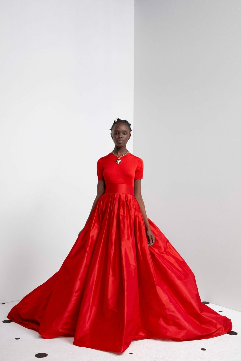 Carolina Herrera Pre-Fall 2021. RUNWAY MAGAZINE ® Collections. RUNWAY NOW / RUNWAY NEW