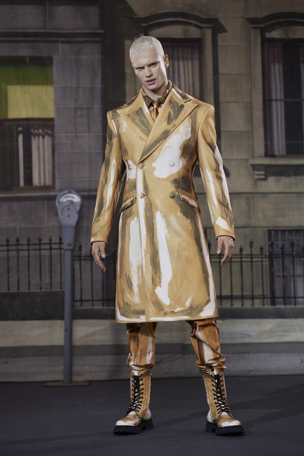 Moschino Men Fall-Winter 2021-2022. RUNWAY MAGAZINE ® Collections. RUNWAY NOW / RUNWAY NEW