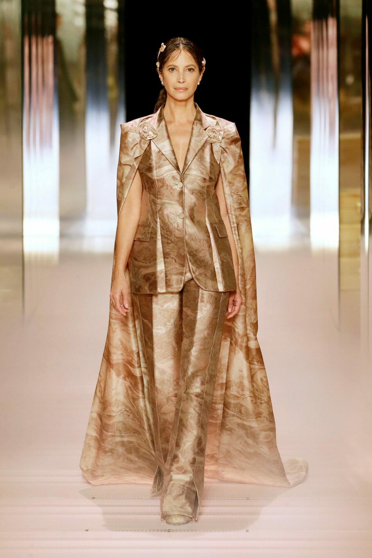 Fendi Couture Spring Summer 2021. RUNWAY MAGAZINE ® Collections. RUNWAY NOW / RUNWAY NEW