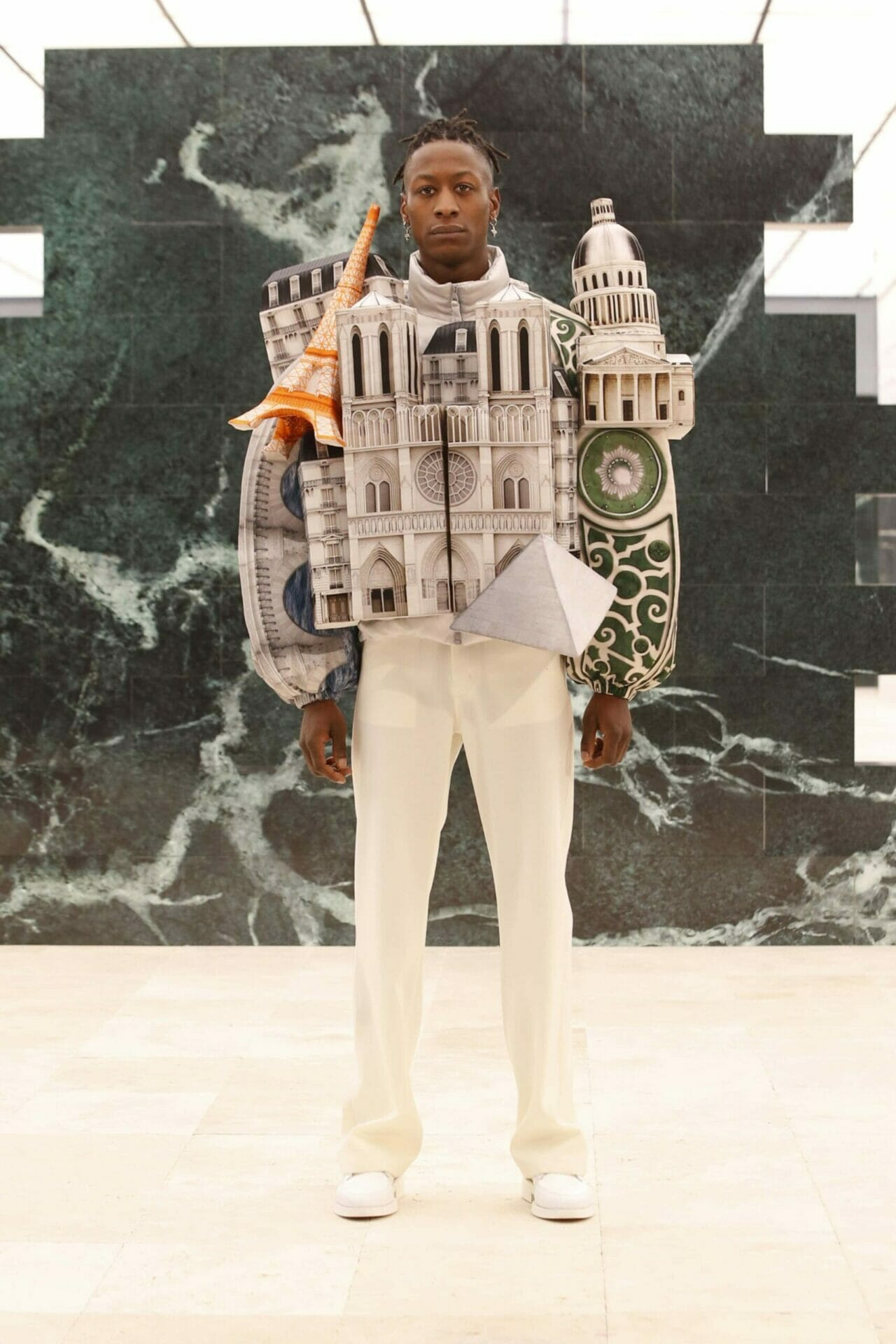 Louis Vuitton Men Fall-Winter 2021-2022. RUNWAY MAGAZINE ® Collections. RUNWAY NOW / RUNWAY NEW