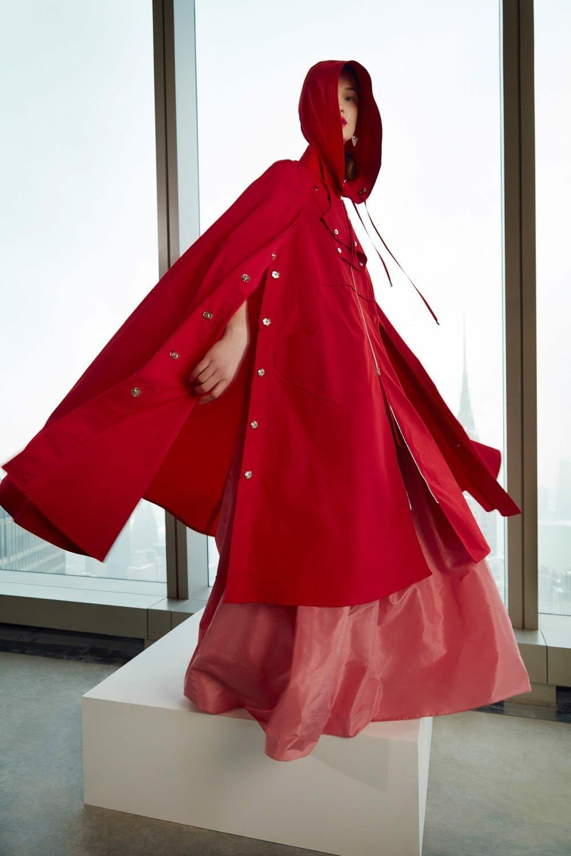 Carolina Herrera Fall-Winter 2021-2022 New York. RUNWAY MAGAZINE ® Collections. RUNWAY NOW / RUNWAY NEW