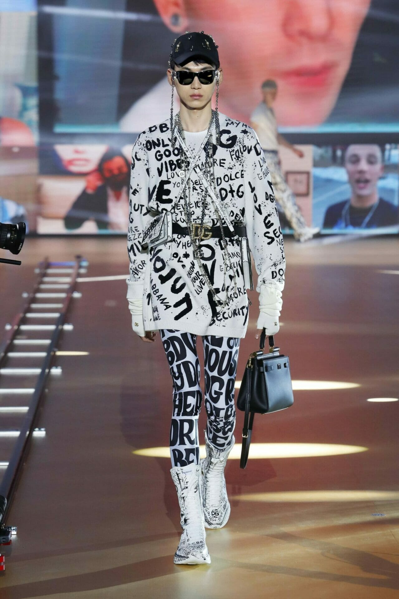 Dolce Gabbana Menswear Fall 2021. RUNWAY MAGAZINE ® Collections. RUNWAY NOW / RUNWAY NEW