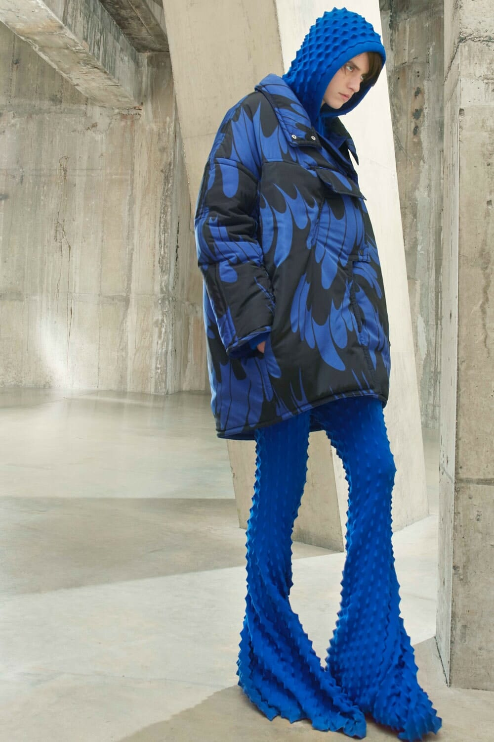 Stella McCartney Fall Winter 2021-2022 London. RUNWAY MAGAZINE ® Collections. RUNWAY NOW / RUNWAY NEW