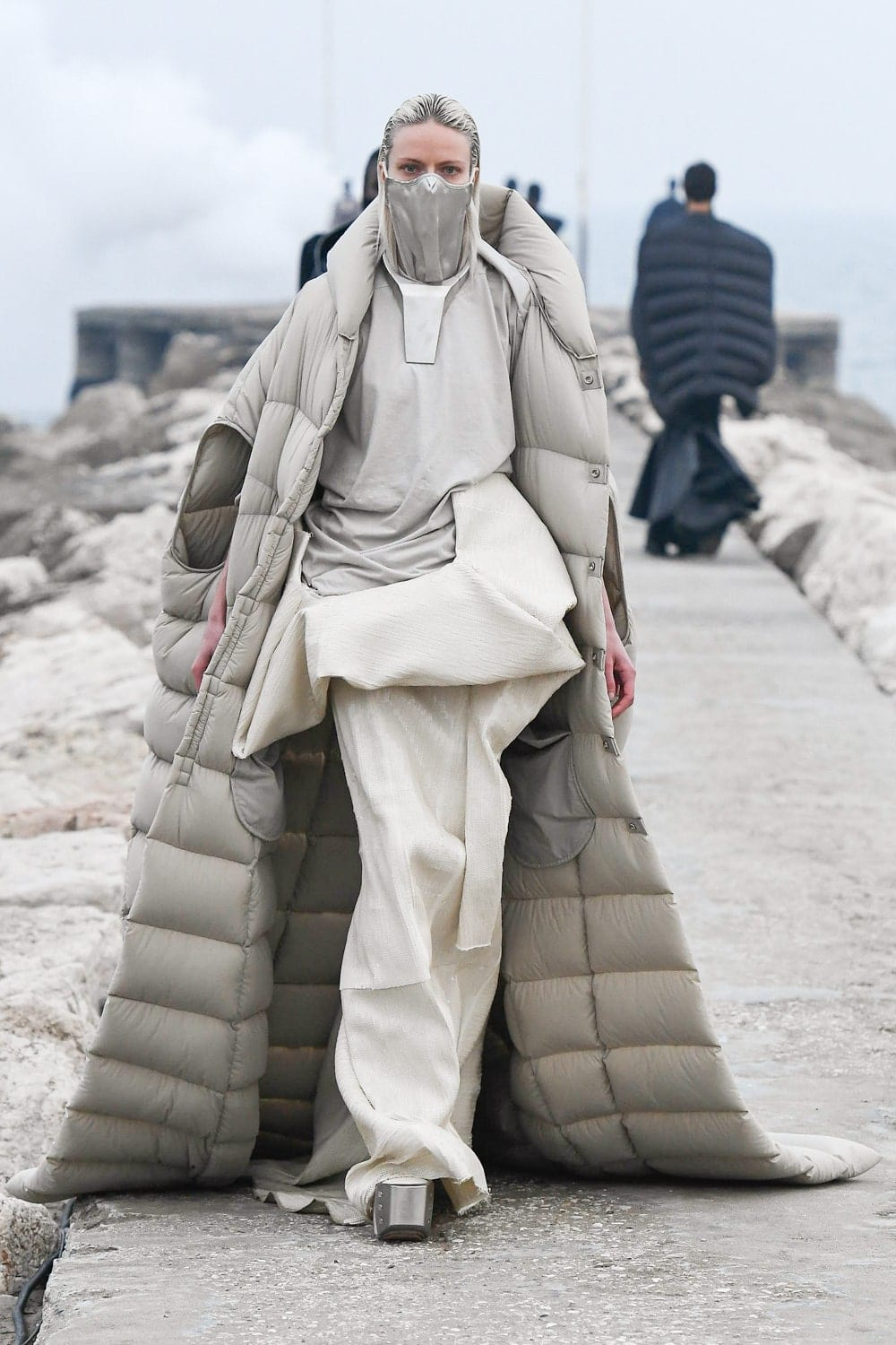 Rick Owens Fall Winter 2021-2022 Paris. RUNWAY MAGAZINE ® Collections. RUNWAY NOW / RUNWAY NEW