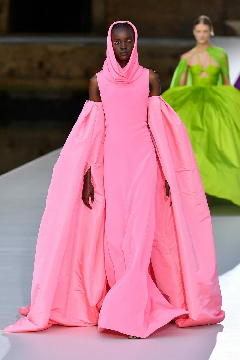 Valentino Couture Fall Winter 2021-2022. RUNWAY MAGAZINE ® Collections. RUNWAY NOW / RUNWAY NEW