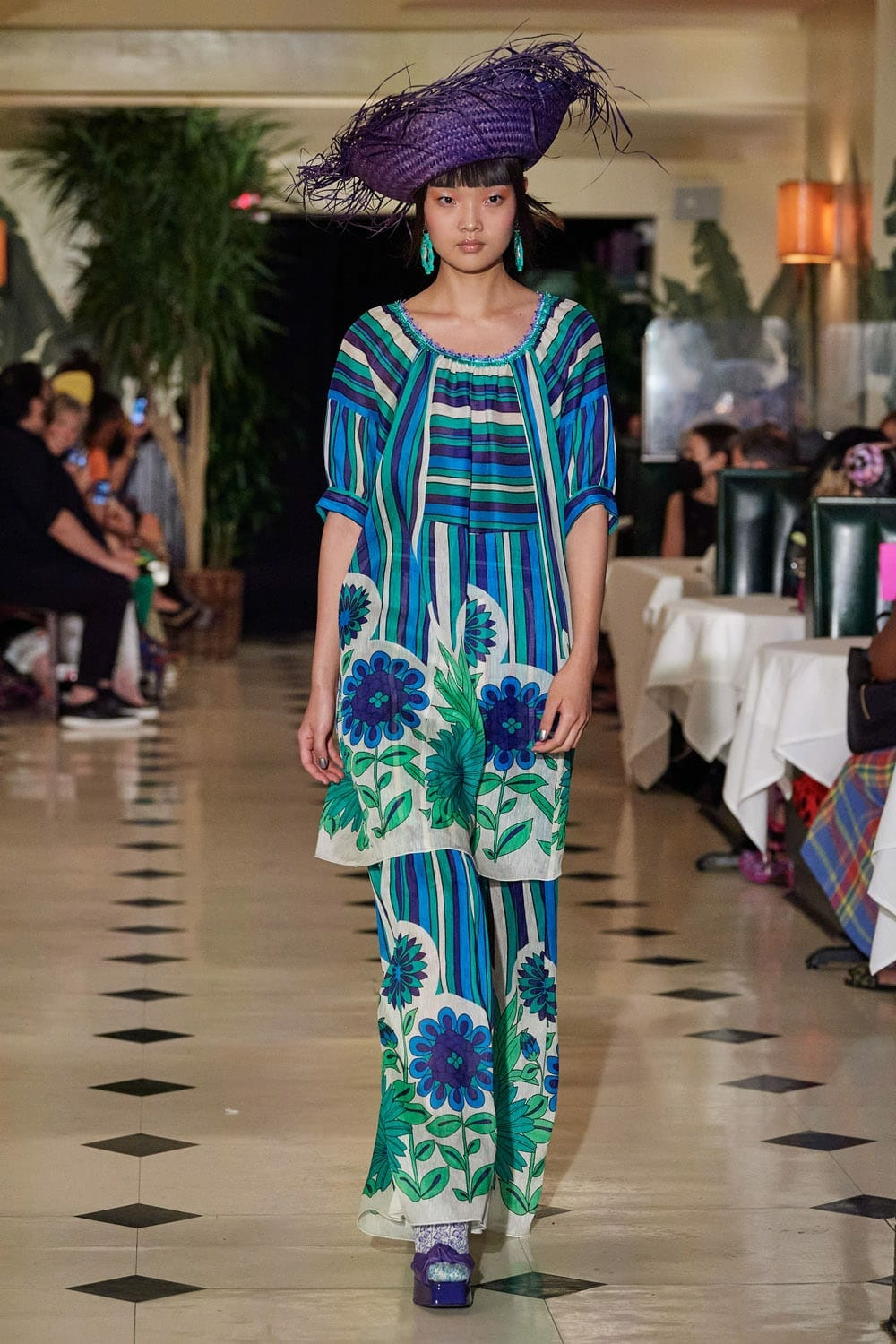 Anna Sui Spring Summer 2022 New York. RUNWAY MAGAZINE ® Collections. RUNWAY NOW / RUNWAY NEW
