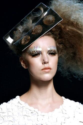 "JOHN GALLIANO for CHRISTIAN DIOR HAUTE COUTURE FALL-WINTER 2011-2012. RUNWAY MAGAZINE ® Collections Special Selection ""Fashion Treasure"". RUNWAY MAGAZINE ® Collections. RUNWAY NOW / RUNWAY NEW"