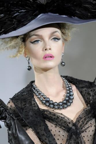 "JOHN GALLIANO for CHRISTIAN DIOR HAUTE COUTURE FALL-WINTER 2009-2010. RUNWAY MAGAZINE ® Collections Special Selection ""Fashion Treasure"". RUNWAY MAGAZINE ® Collections. RUNWAY NOW / RUNWAY NEW"
