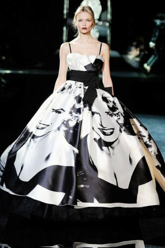 """DOLCE & GABBANA READY-TO-WEAR FALL-WINTER 2009-2010. Milan Fashion Week. RUNWAY MAGAZINE ® Collections Special Selection """"Fashion Treasure"""". RUNWAY MAGAZINE ® Collections. RUNWAY NOW / RUNWAY NEW"""