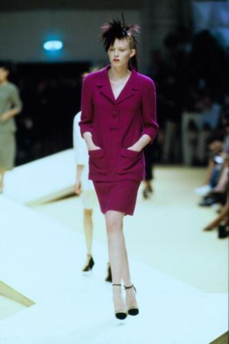 CHANEL HAUTE COUTURE FALL-WINTER 1999-2000. RUNWAY MAGAZINE ® Collections