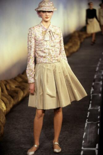 CHANEL HAUTE COUTURE SPRING-SUMMER 2001. RUNWAY MAGAZINE ® Collections