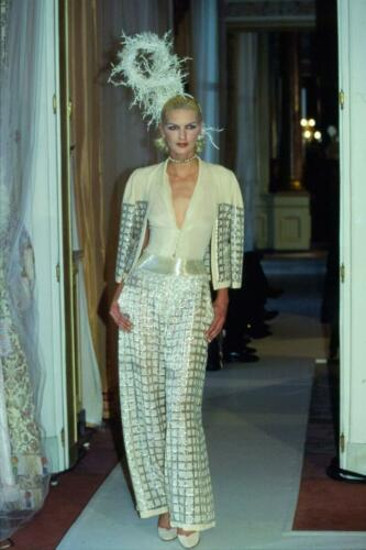 CHANEL HAUTE COUTURE SPRING-SUMMER 1997. RUNWAY MAGAZINE ® Collections