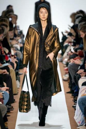 Akris Ready-to-Wear Fall-Winter 2019-2020 by RUNWAY MAGAZINE