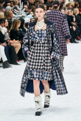 CHANEL Ready-to-Wear Fall-Winter 2019-2020 by RUNWAY MAGAZINE. First collection without Karl...... collection of Virginie Viard. New era of simplified Chanel begins.