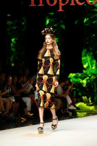 "DOLCE & GABBANA READY-TO-WEAR SPRING-SUMMER 2017. Milan Fashion Week. RUNWAY MAGAZINE ® Collections Special Selection ""Fashion Treasure"". RUNWAY MAGAZINE ® Collections. RUNWAY NOW / RUNWAY NEW"