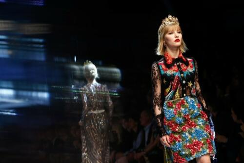 """DOLCE & GABBANA READY-TO-WEAR FALL-WINTER 2017-2018. Milan Fashion Week. RUNWAY MAGAZINE ® Collections Special Selection """"Fashion Treasure"""". RUNWAY MAGAZINE ® Collections. RUNWAY NOW / RUNWAY NEW"""