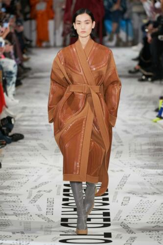 Stella McCartney Ready-to-Wear Fall-Winter 2019-2020 by RUNWAY MAGAZINE