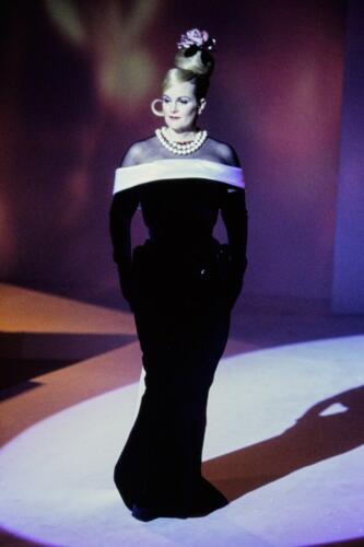 "THIERRY MUGLER READY-TO-WEAR FALL-WINTER 1995-1996. RUNWAY MAGAZINE ® Collections Special Selection ""Fashion Treasure""."