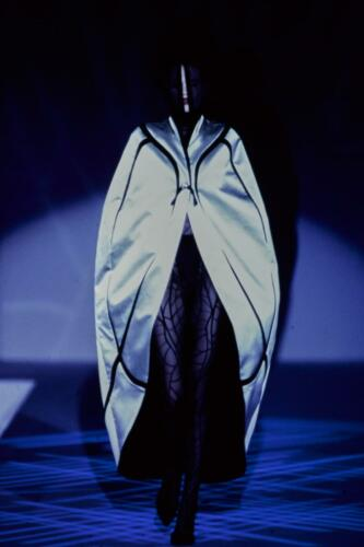"THIERRY MUGLER READY-TO-WEAR SPRING-SUMMER 1997. RUNWAY MAGAZINE ® Collections Special Selection ""Fashion Treasure"". RUNWAY MAGAZINE ® Collections. RUNWAY NOW / RUNWAY NEW"