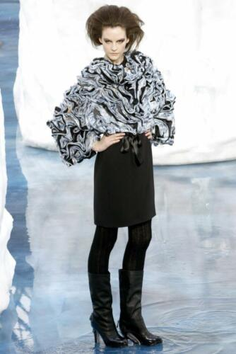 """CHANEL READY-TO-WEAR FALL-WINTER 2010-2011. RUNWAY MAGAZINE ® Collections Special Selection """"Fashion Treasure"""". RUNWAY NOW / RUNWAY NEW"""