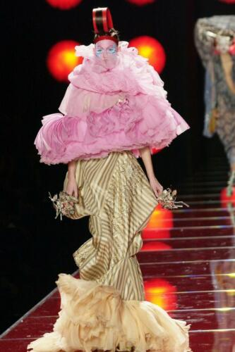 "JOHN GALLIANO for CHRISTIAN DIOR HAUTE COUTURE SPRING-SUMMER 2003. RUNWAY MAGAZINE ® Collections Special Selection ""Fashion Treasure"". RUNWAY MAGAZINE ® Collections. RUNWAY NOW / RUNWAY NEW"